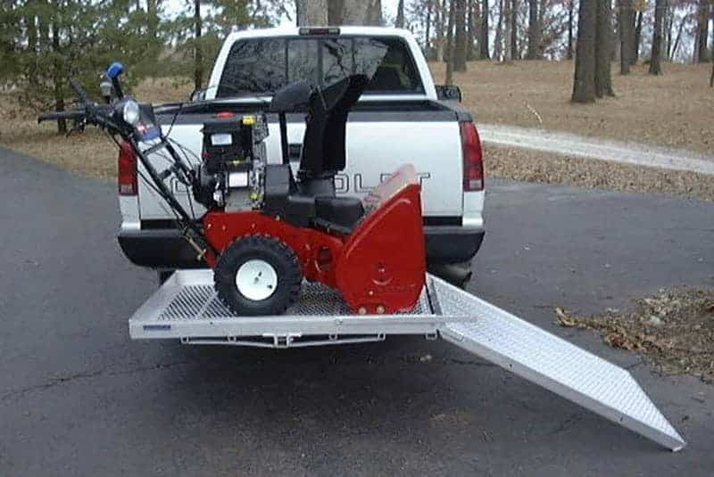 aluminum-carrier-hitch-with-ramp