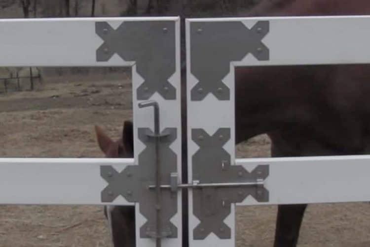 fence-gate-corner-plate-2