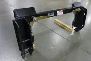 loader-quick-attach-cub-cadet-cl300-01