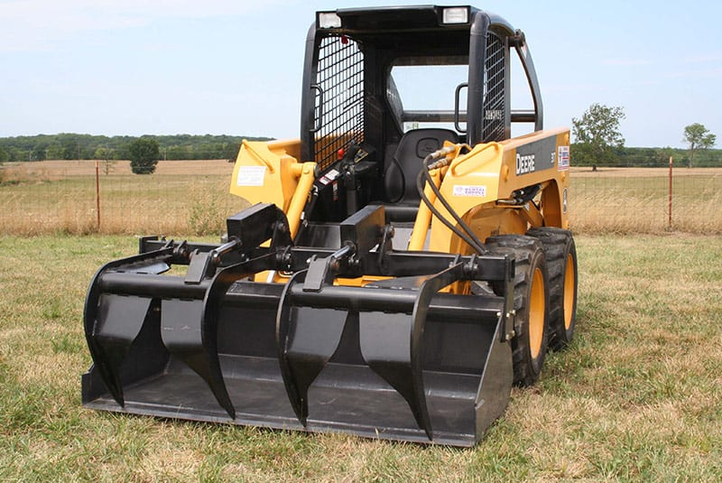 contractor-add-a-grapple-for-skid-loaders-and-large-tractors-02