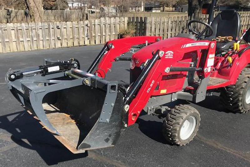 single-add-a-grapple-for-sub-compact-tractors-01